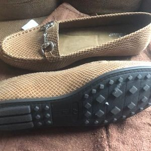 Brand new  A2 by Aerosoles, tans color